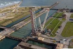 DE GAULLE LOCK: BRIDGE LEAF REMOVAL WORKS