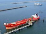 Navire pétrolier aux Appontements Pétroliers de Flandre
