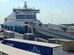 Déchargement de camions en provenance de Douvres
